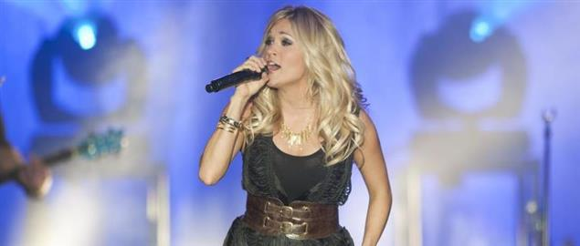 Carrie Underwood performing at Navy Academy concert, 4/29/2011.