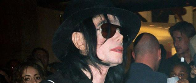 Michael Jackson after checking in to the Stardust hotel in Las Vegas, 3/10/2003.