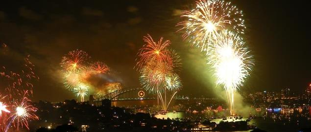 Fire works on the Sydney Harbour, 2008-09