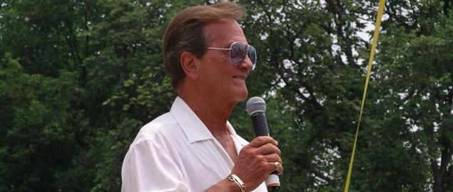 Pat Boone speaking at a GOE II event, 5/27/07.